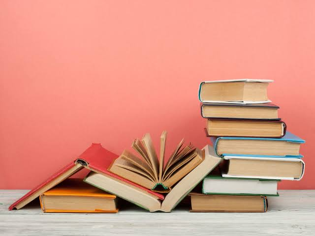 7 books to kickstart with your reading journey.